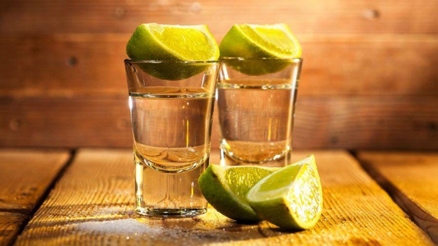 Beber tequila podría servir para perder peso y ayudar a